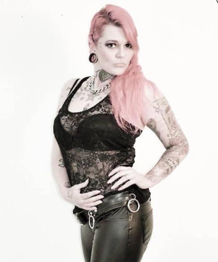 fetisch rock lady